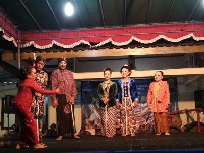 Guyub Rukun Warga Kanthi Reruntungan menjadi tema yang diangkat dalam Pertunjukan Rakyat Guyon Maton KIM Ngudi Makmur (06/04)
