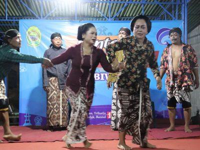 [Foto Dokumentasi] Pertunjukan Rakyat Sandiwara Dagelan KIM BIWARA dengan Tema Kesadaran Membayar Pajak (15/06)
