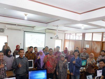 Gelombang Pertama Pelatihan TIK Dalam Rangka Revitalisasi KIM diikuti oleh Perwakilan 6 KIM dan 6 Desa (31/10)